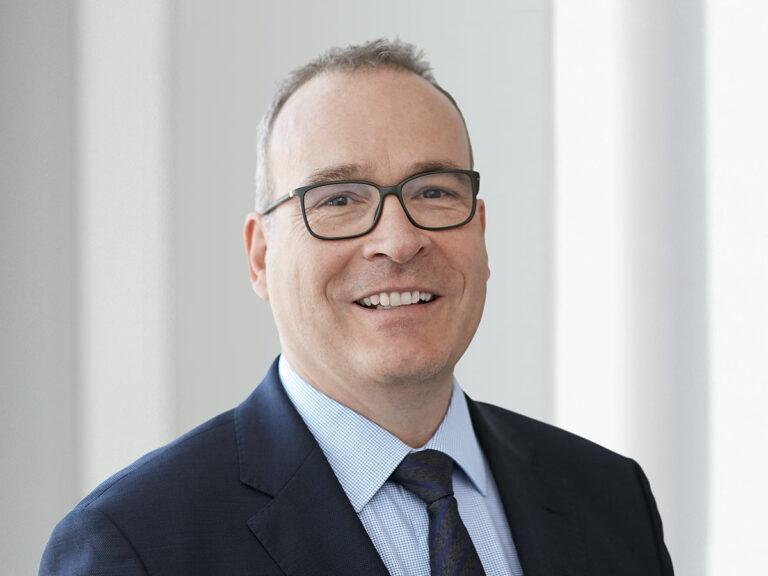 Dr. Georg Böcker