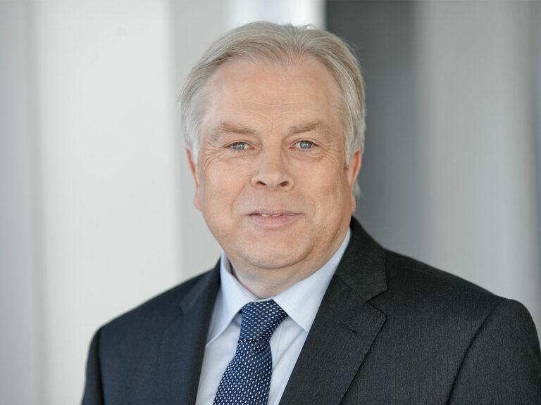 Helmut Lüke